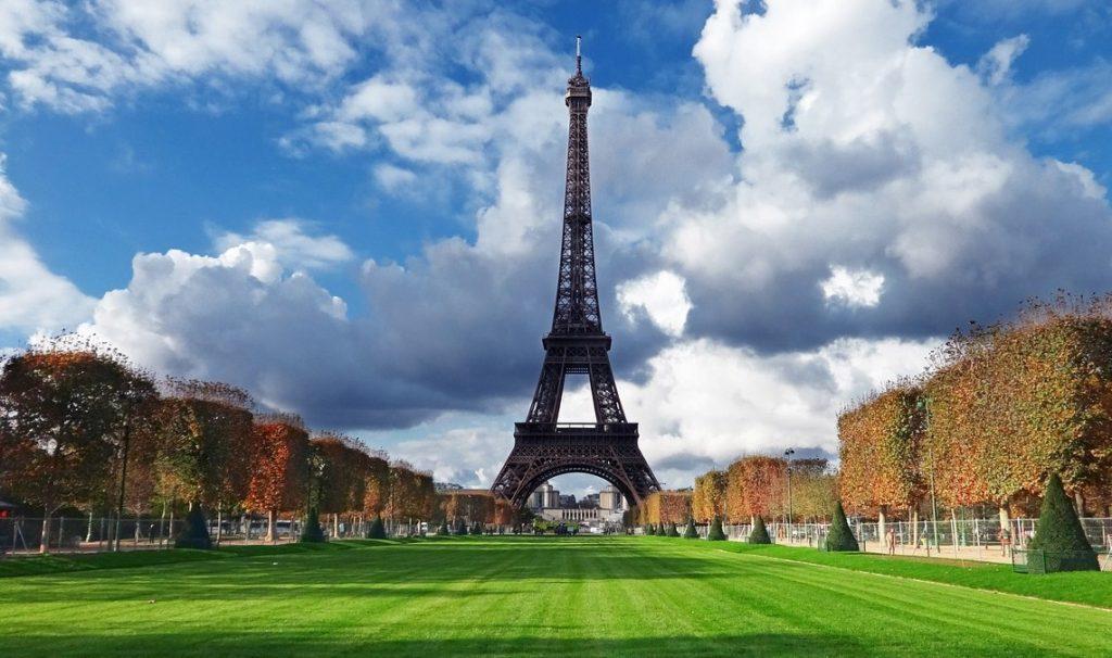 Эйфелевая башня Париж Франция