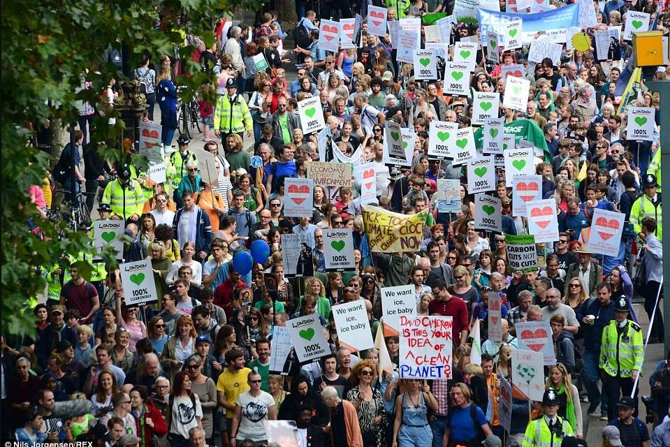 Лондон, шествие по борьбе с изменением климата