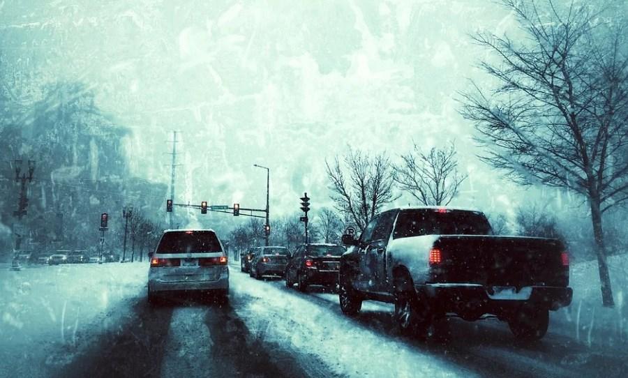 автомобили зима город
