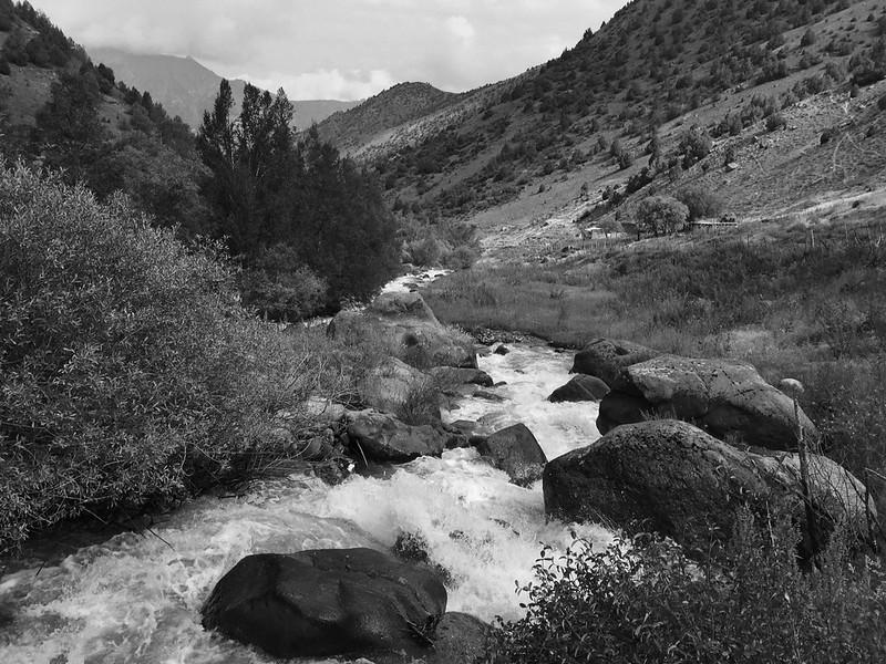 Горная река, Кыргызстан