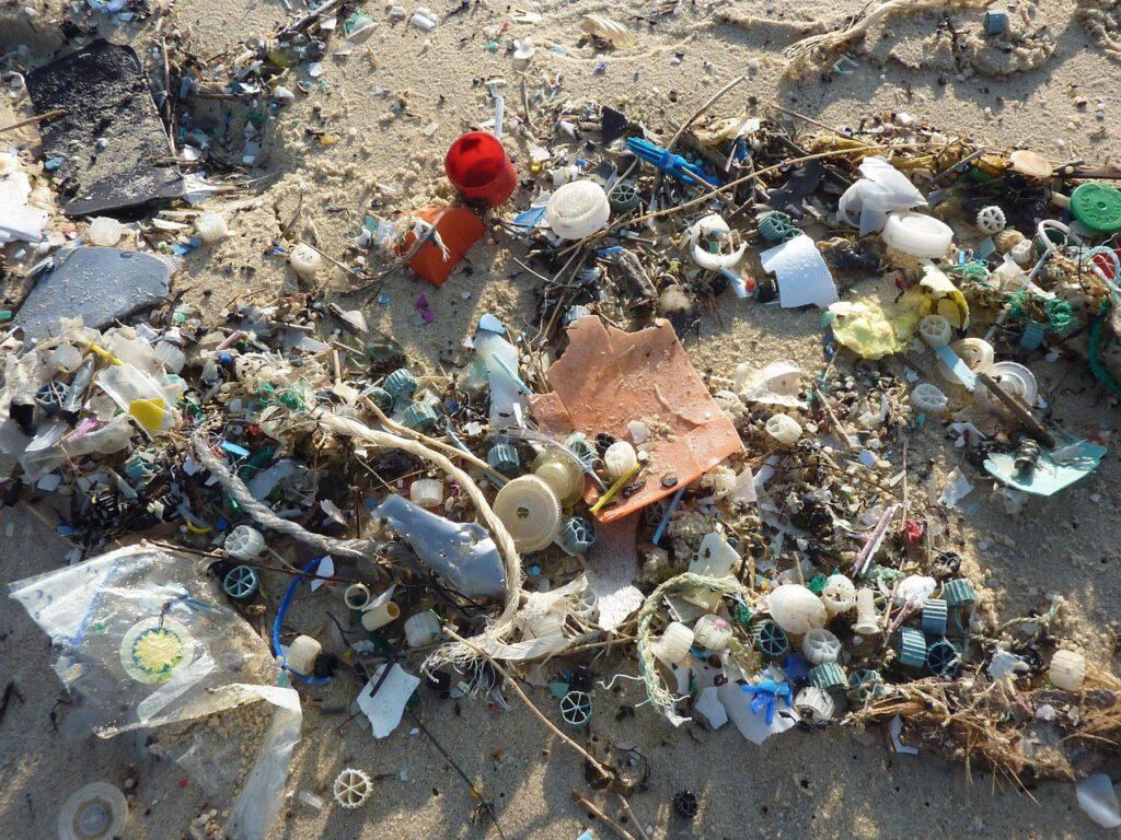 Может ли переработка решить проблему пластика?