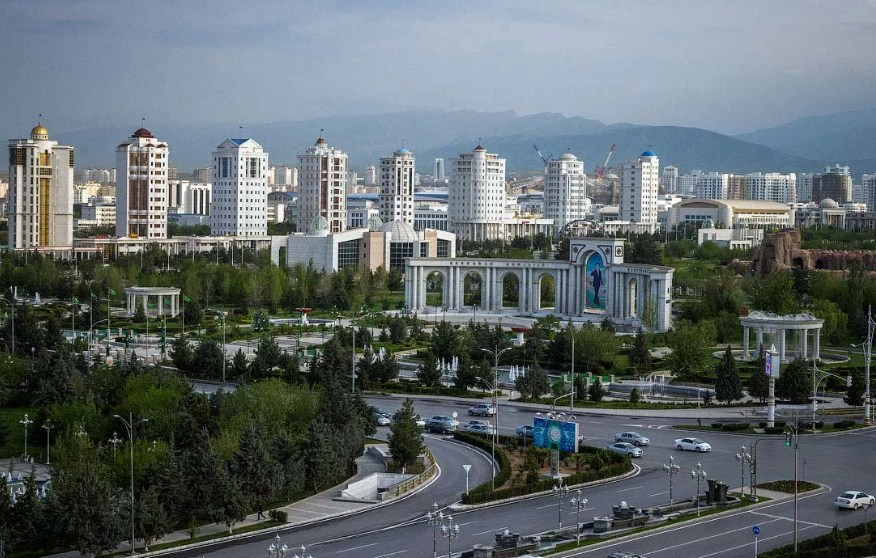 Туркменистан город
